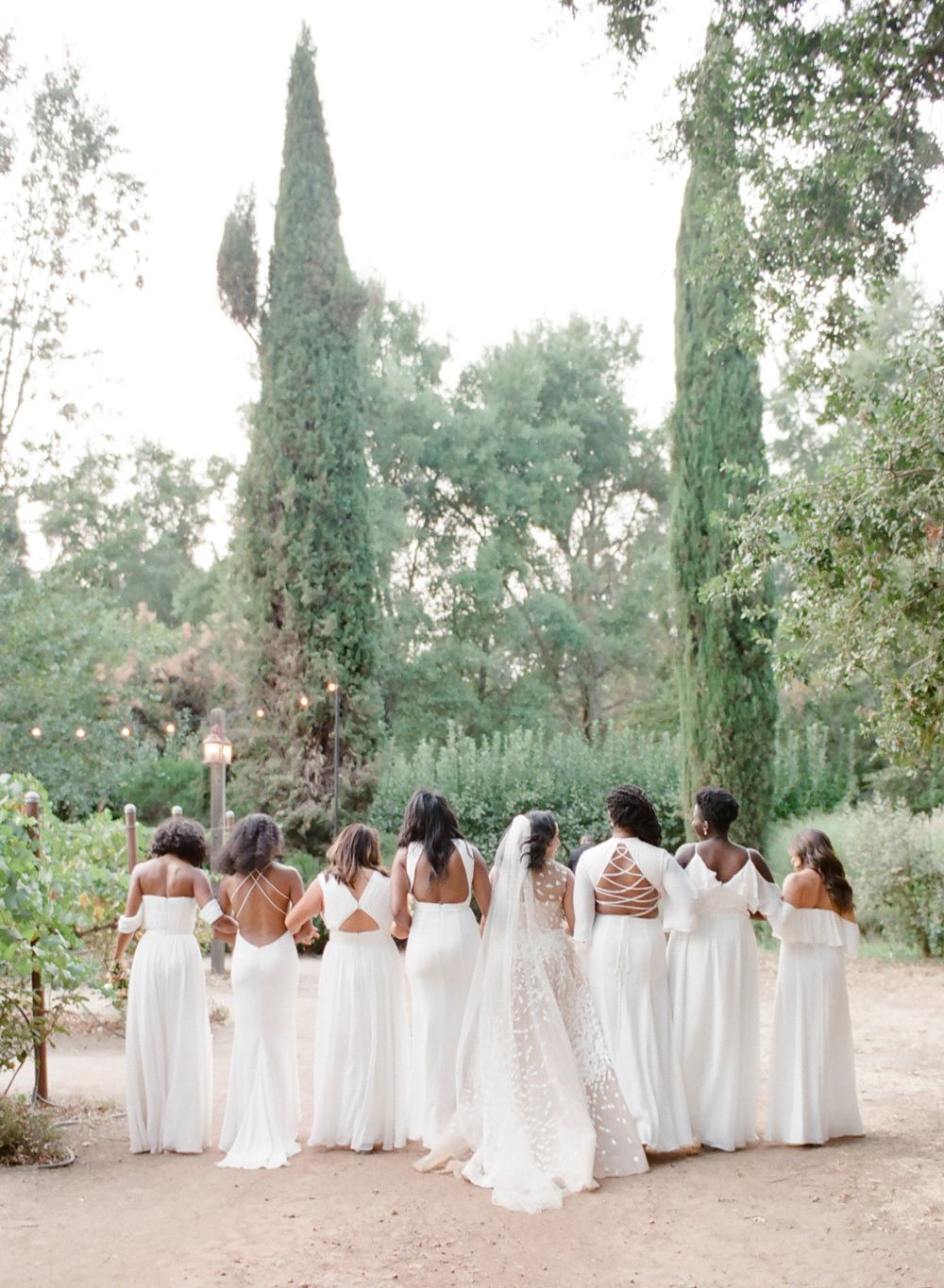 26 Chic Bridal Parties Wearing All White Dresses White