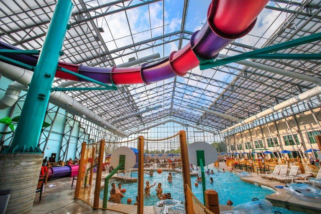 6 Indoor Staycation Destinations Around Michigan Indoor Waterpark Water Park Indoor Attractions