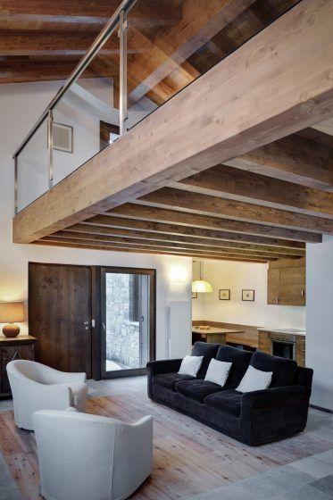 Ideas For Creating Space And Storage Under The Eaves Chambre