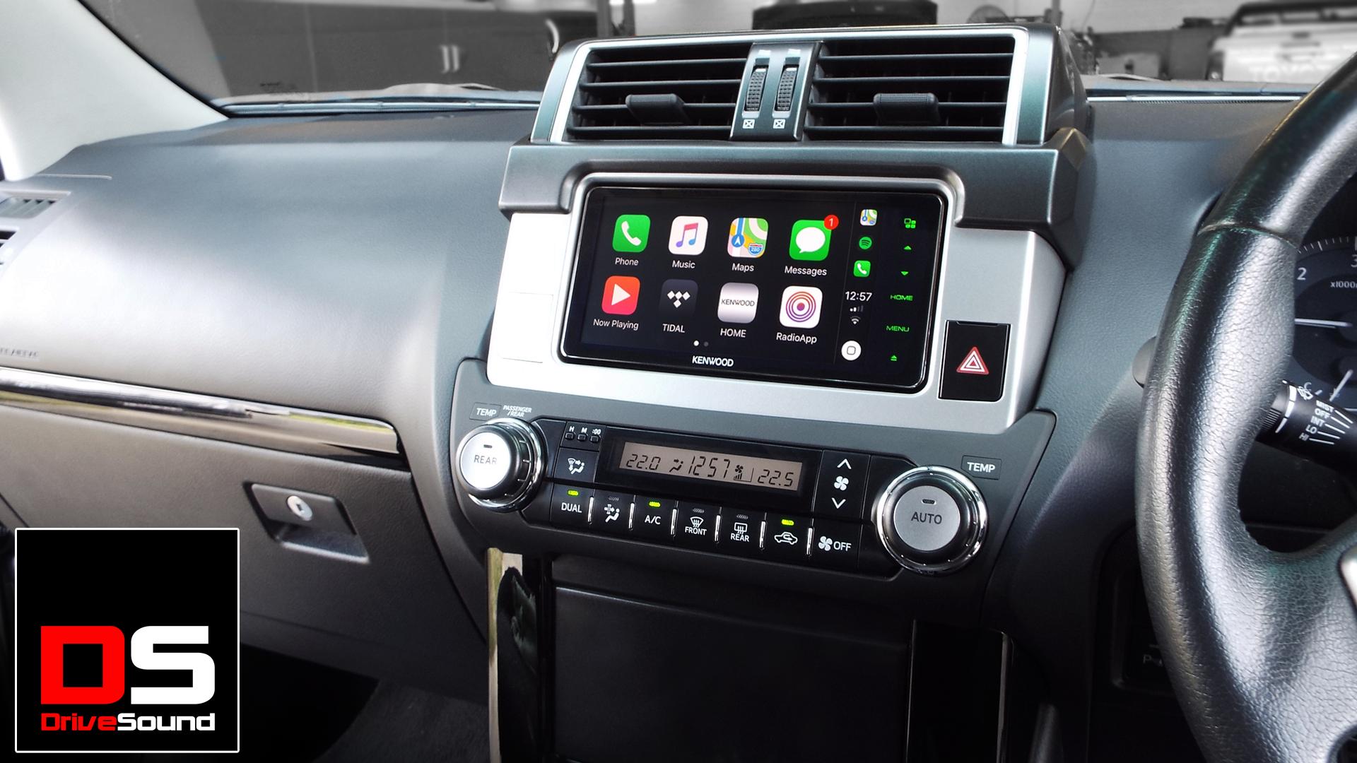 200 Series Toyota Land Cruiser with Apple CarPlay