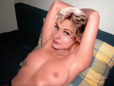 Free naked pictures of white womens butts
