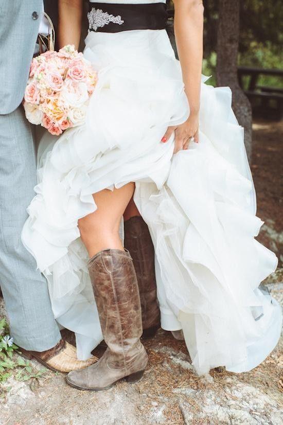 2014 brown winter boots, cozy cowboy boots #Vintage Valentines day ideas #May wedding bouquets www.dreamyweddingideas.com