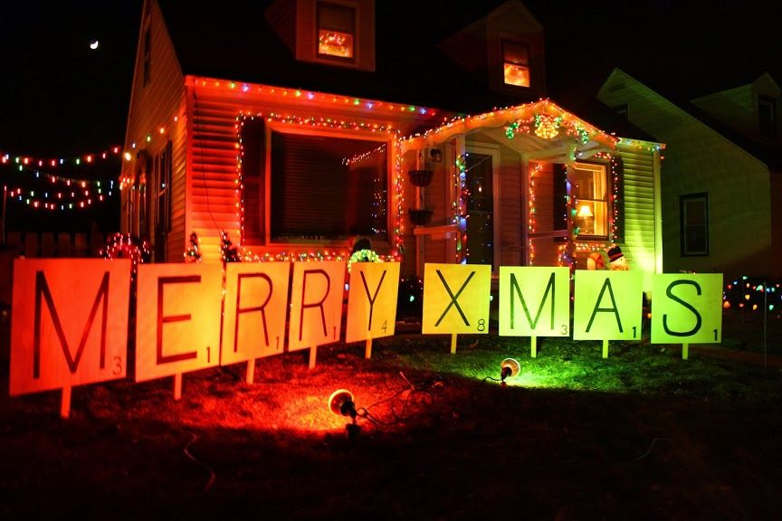 "DIY ""Merry Message"" Yard-Sized Scrabble Tiles"