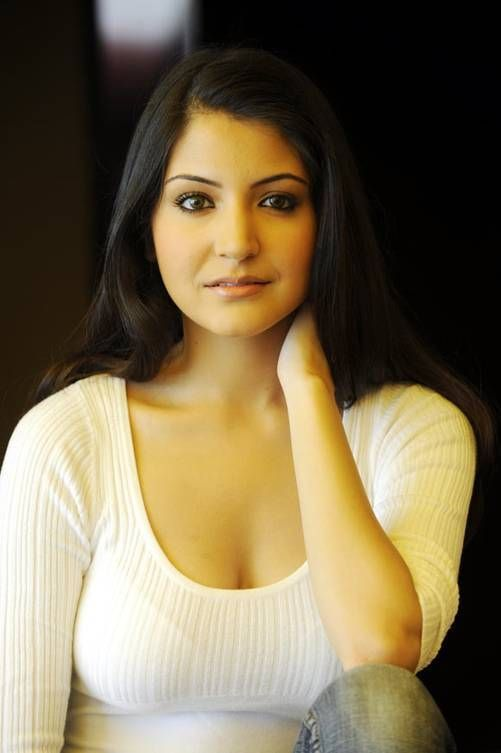 Actress-Anushka-Sharma-Hot-Images-Gallery-Anushka-Sharma -8170