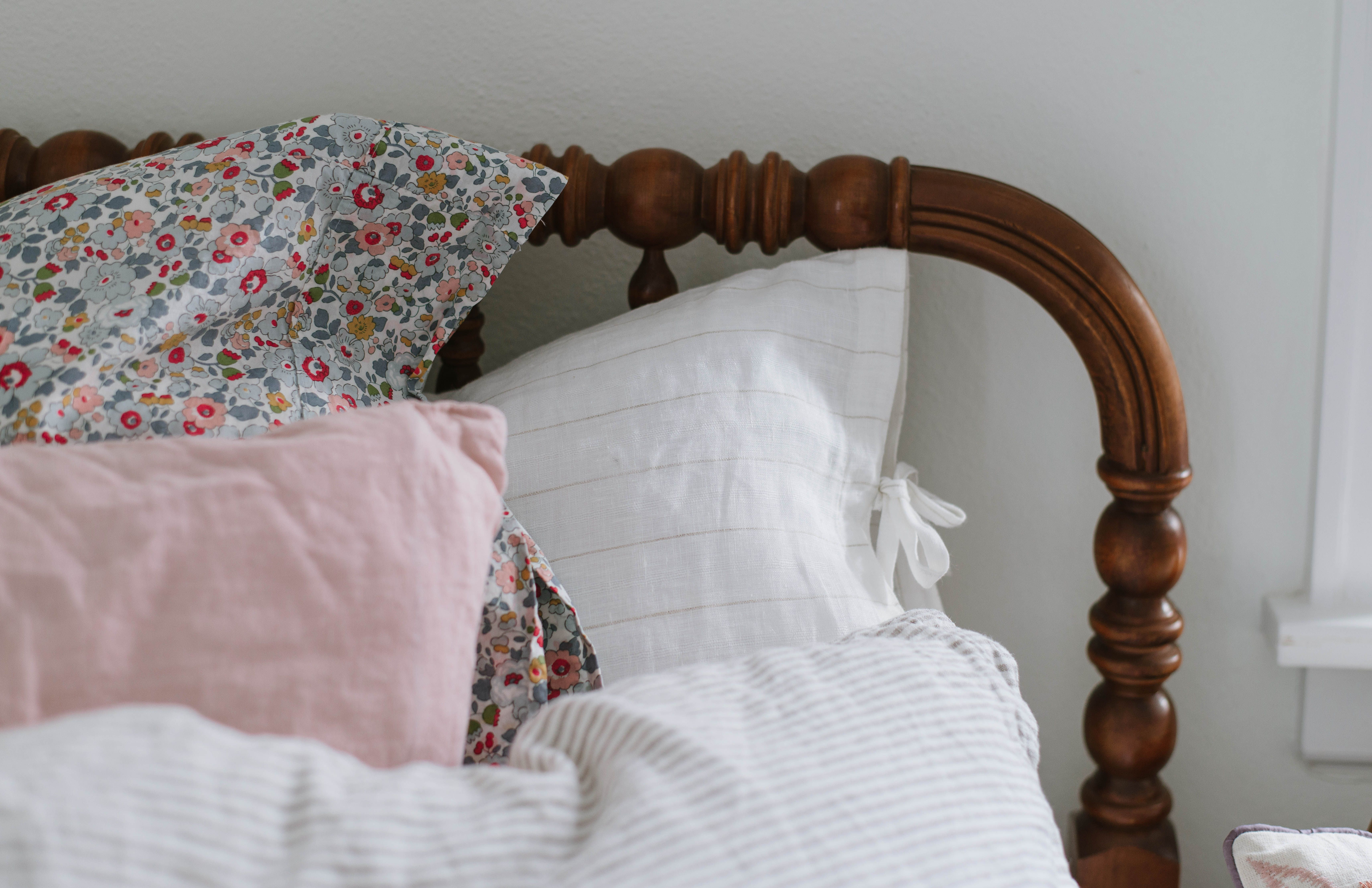 Pin by helena martins on quarto dormir pinterest vintage shabby