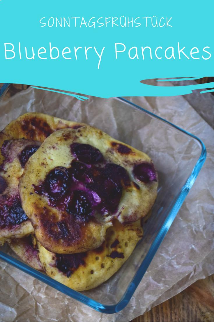 Blaubeer Buttermilch Pancakes zum Frühstück