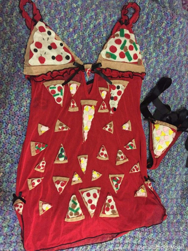 Pizza lingerie