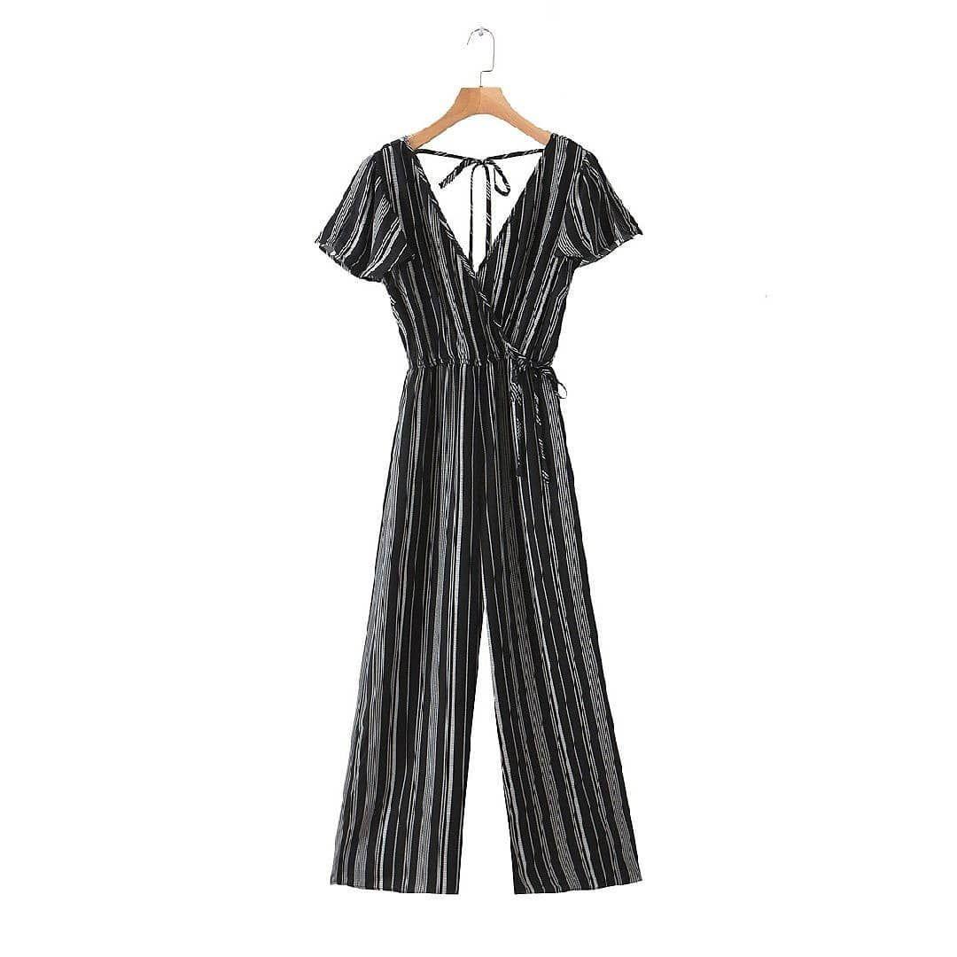 Rp 350 000 5621056 Black Stripe S M L Jumpsuit Cotton 360 G S Shoulder 34 Bust 100 Length 152 Waist 72 M Shoulder 35 Bu In 2020 Black Stripes Fashion Dresses