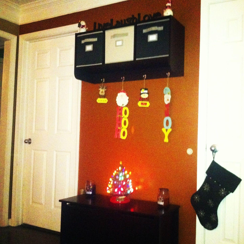 Entryway cubby shelf
