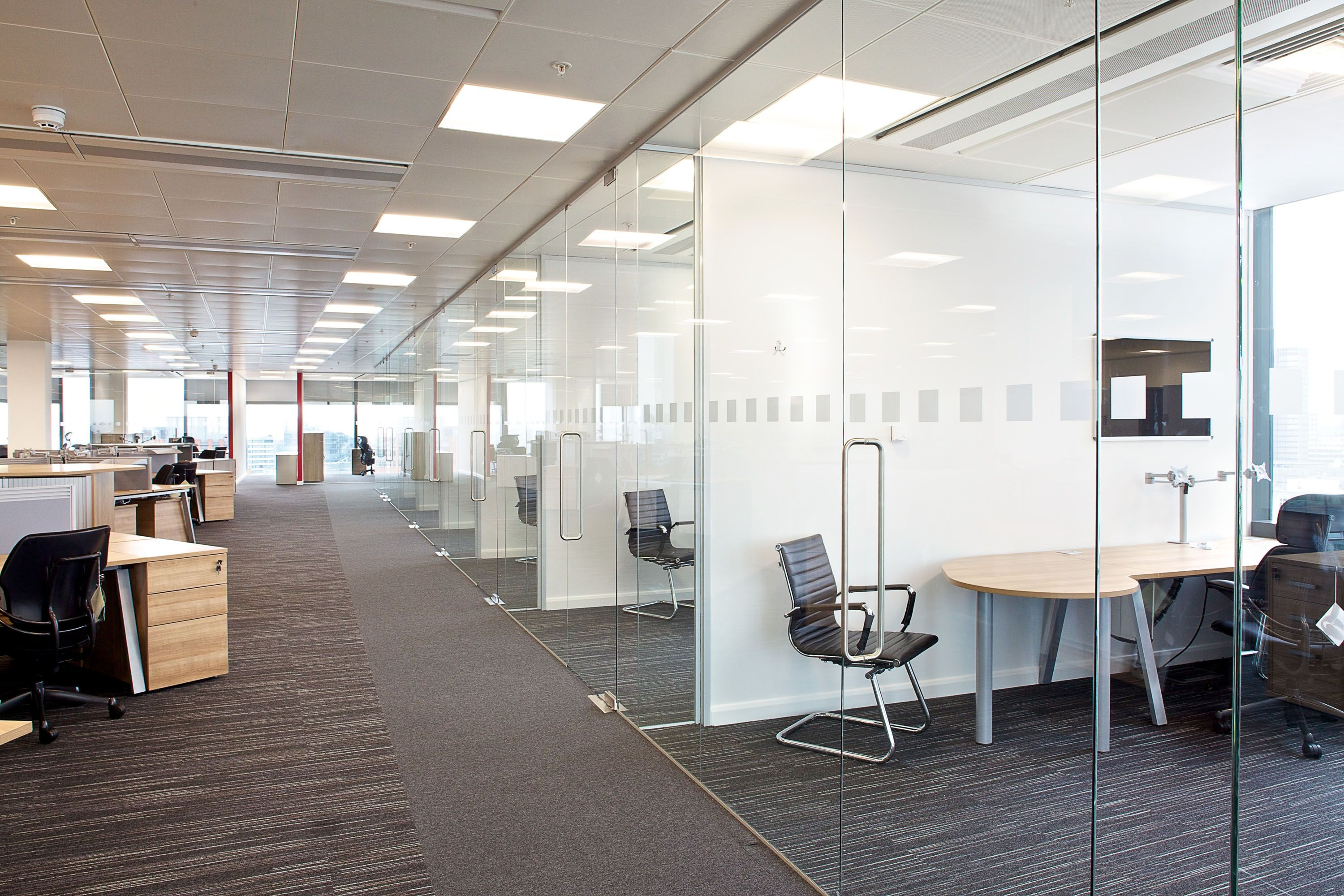 Open plan space Contemporary decor, Glass office