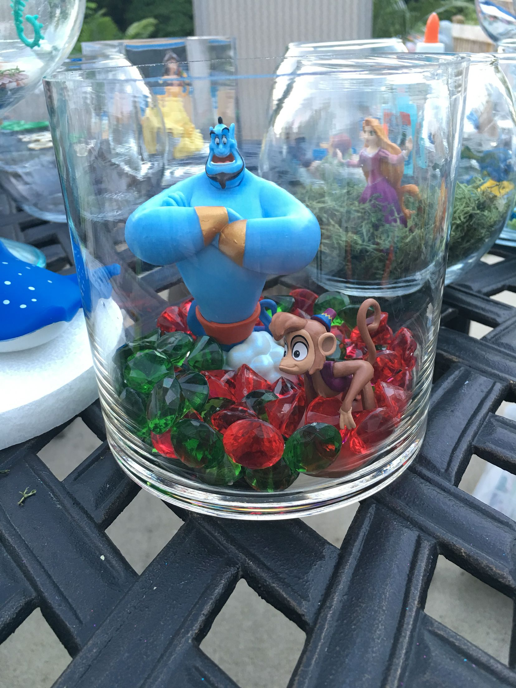 Table decoration i made for my cousins disney themed baby shower disneybabyshower ideas - Decoration baby shower fait maison ...