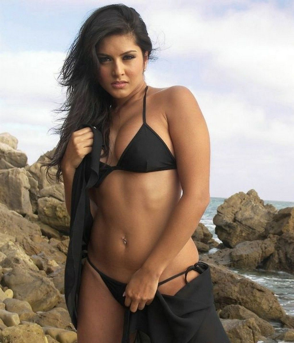 Sexy sunny leone naked images