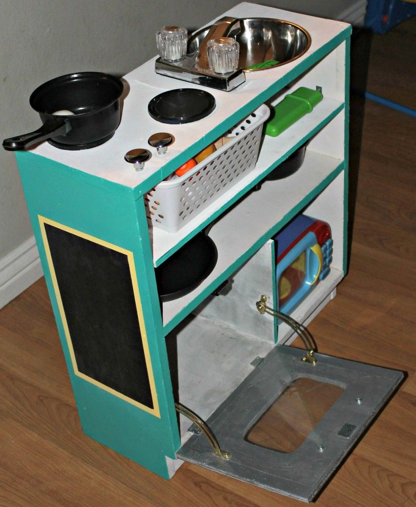 Play Kitchen Plans: Upcycle An Old Bookshelf To Make Your Kids A Play Kitchen
