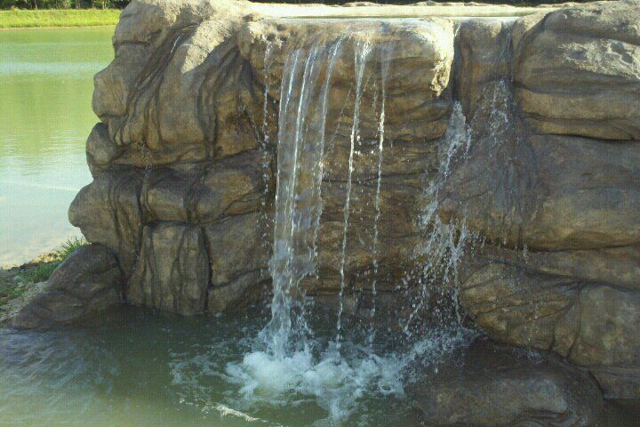 A Carved Concrete Waterfall I Did Near Peoria Il Backyard Retaining Walls Concrete Concrete Wall