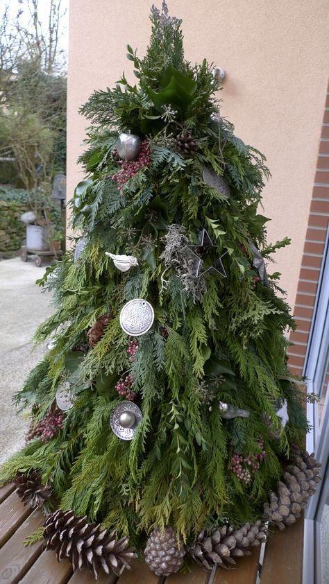 weihnachtsbaum aus gr nschnitt basteln weinachten pinterest weihnachtsbaum baum und. Black Bedroom Furniture Sets. Home Design Ideas