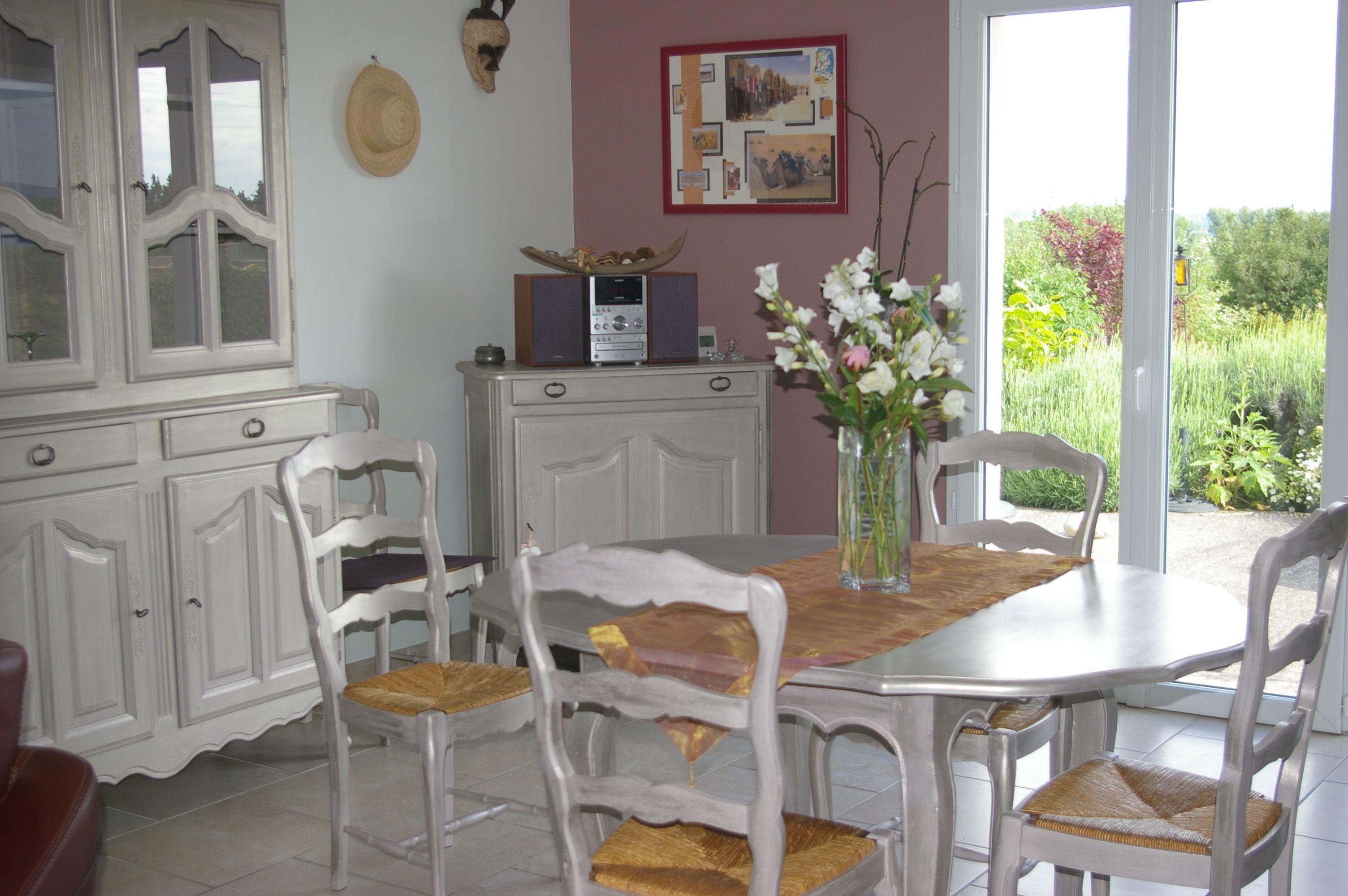 Repeindre Meuble De Salle A Manger repeindre ses meubles de salle à manger couleur taupe et