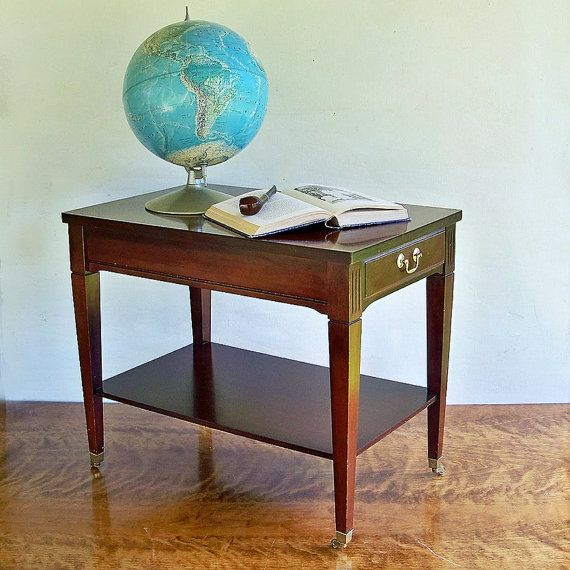 Mid Century Traditional Style Mersman Mahogany End Table Side