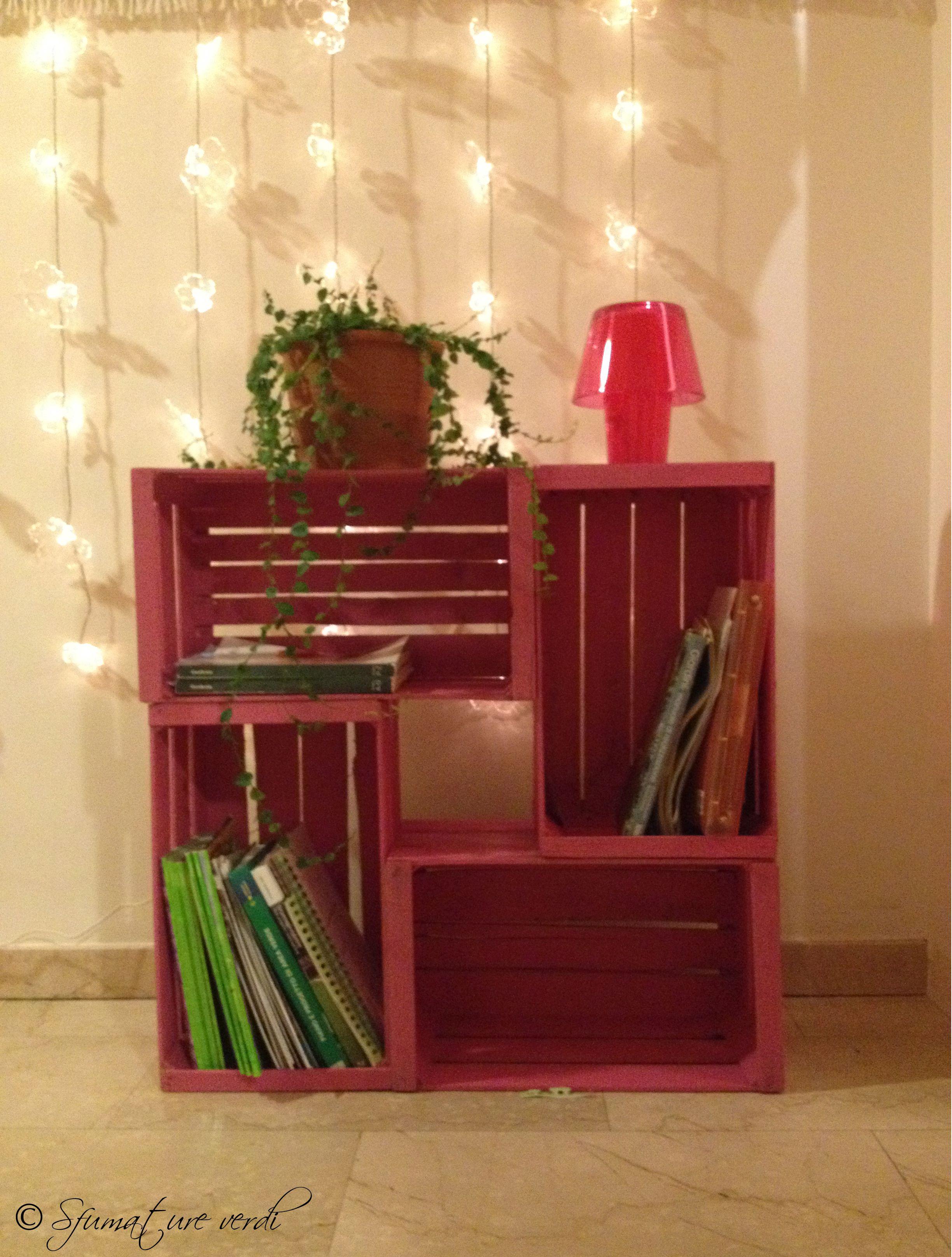 Libreria di cassette arredo verde pinterest fai da for Pinterest arredamento