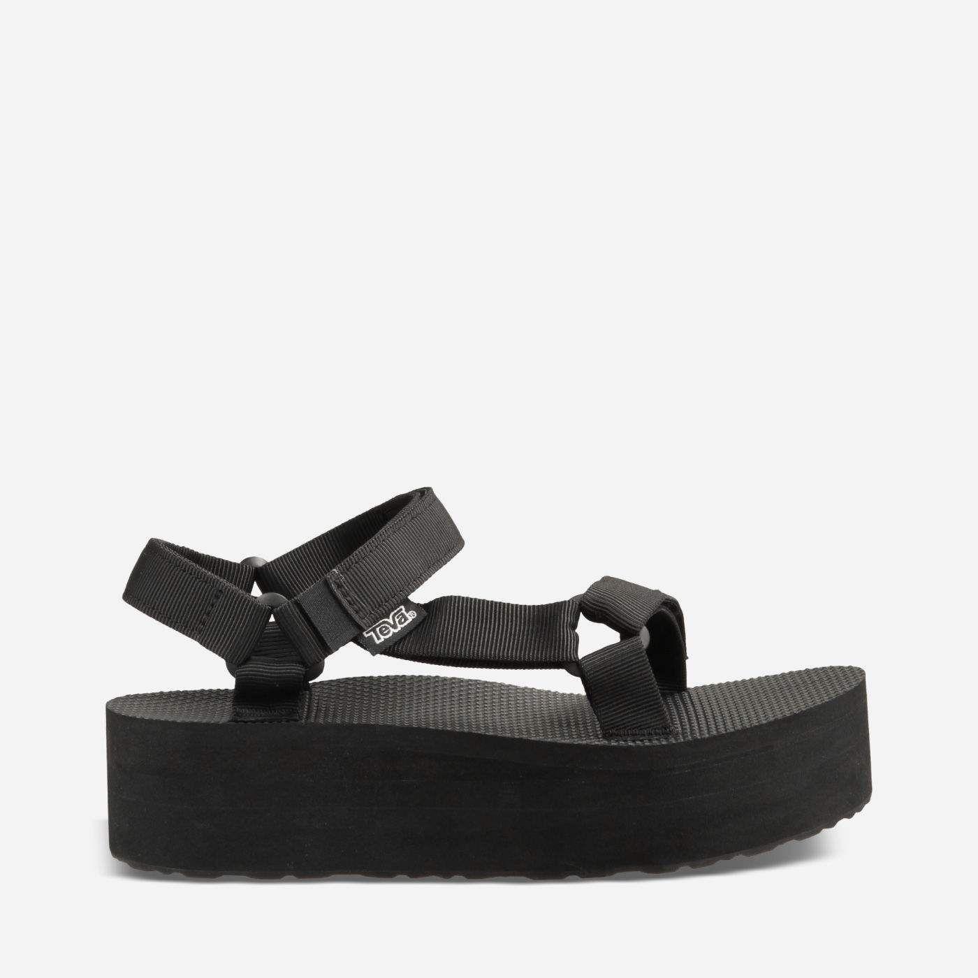 024e2f77326 Flatform Universal   ♡ s h o e s ♡   Teva flatform, Sandals, Socks ...