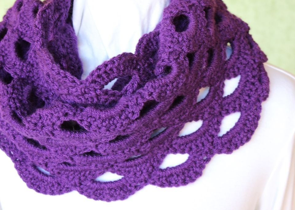 Scalloped Crochet Cowl Pattern Crocheted Gift Idea Dat Team