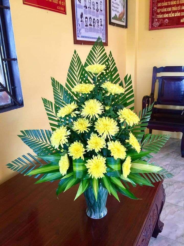Pin By Nurhidayat On Cấm Hoa Tropical Flower Arrangements Flower Arrangements Simple Creative Flower Arrangements