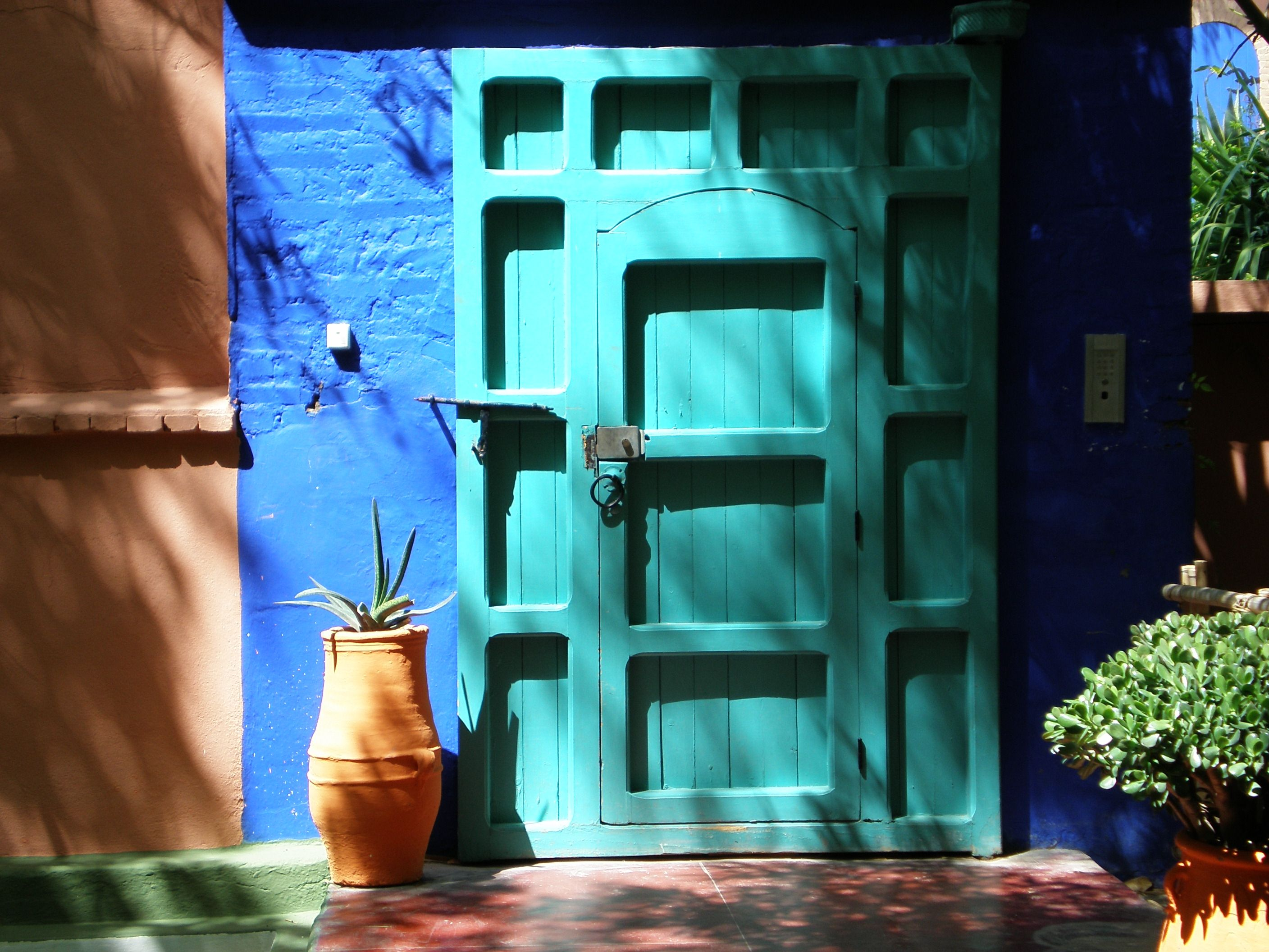 jardin marjorelle marrakech morocco bleu majorelle klein pinterest jardins. Black Bedroom Furniture Sets. Home Design Ideas