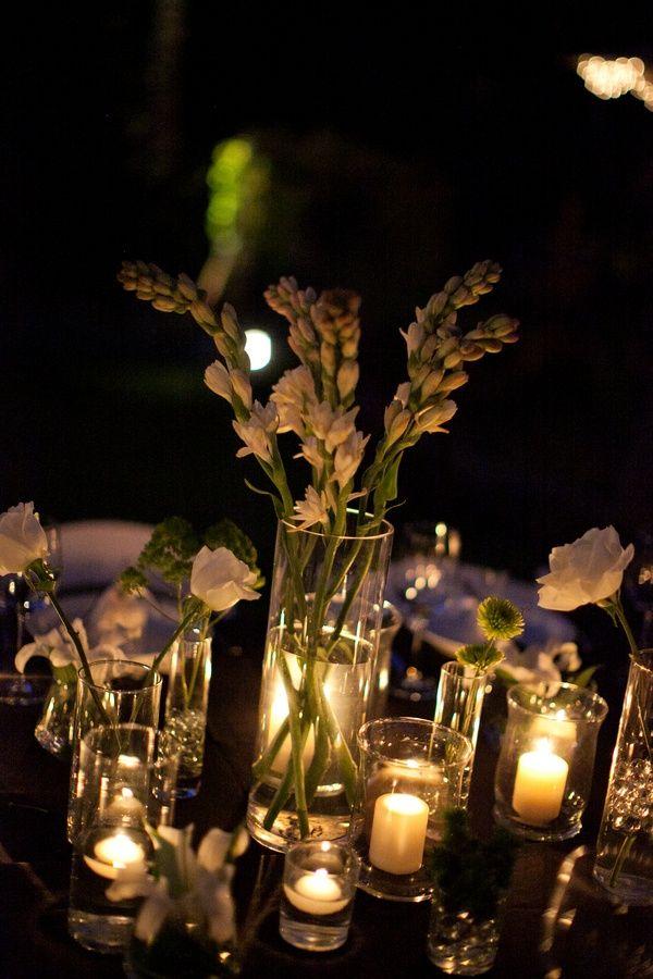 Flores Blancas y Velitas