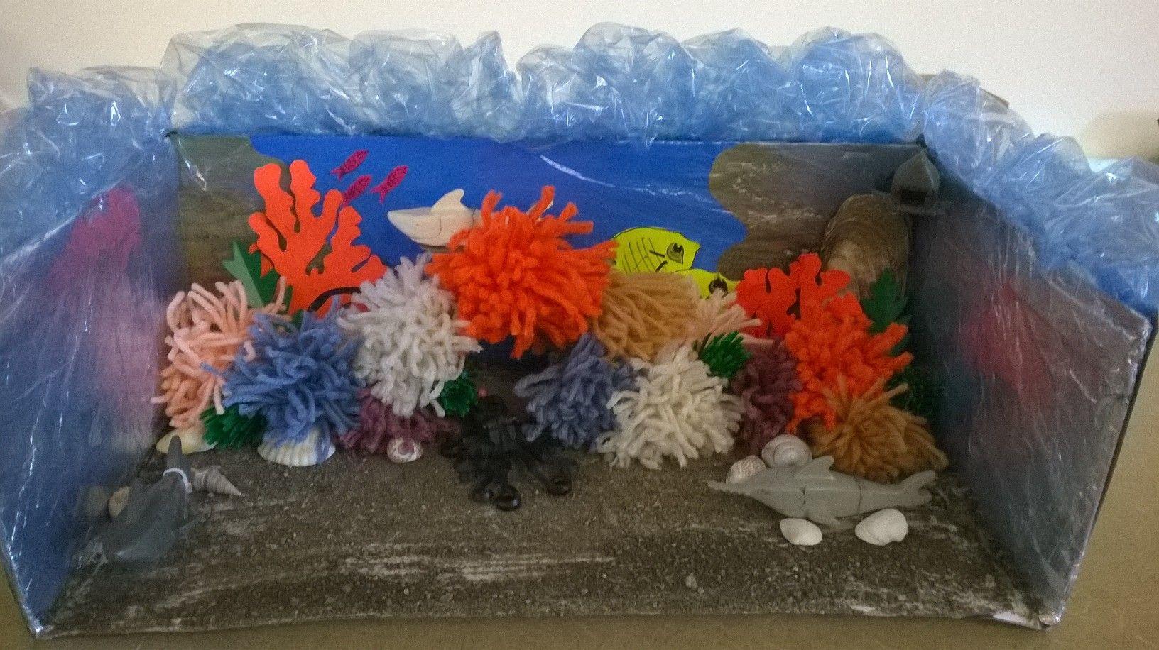 A Diorama Of Australia S Great Barrier Reefs Can Be Used In Art For Kindergarteners To Explore Water Colors Lit Kindergarten Art School Projects Ocean Diorama