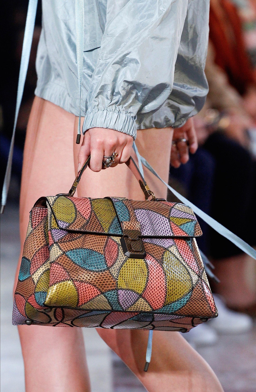 Bag detail at Bottega Veneta Spring 2018.   Beautiful fashion. in ... a4dac6e4e3