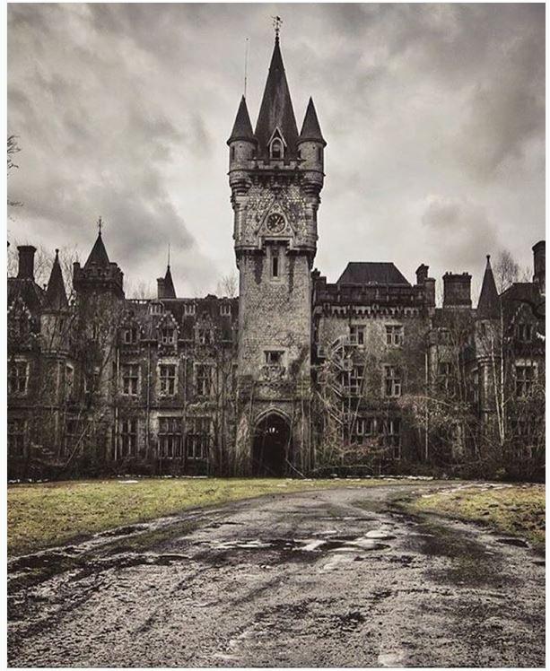 Abandoned Castles, Abandoned Places