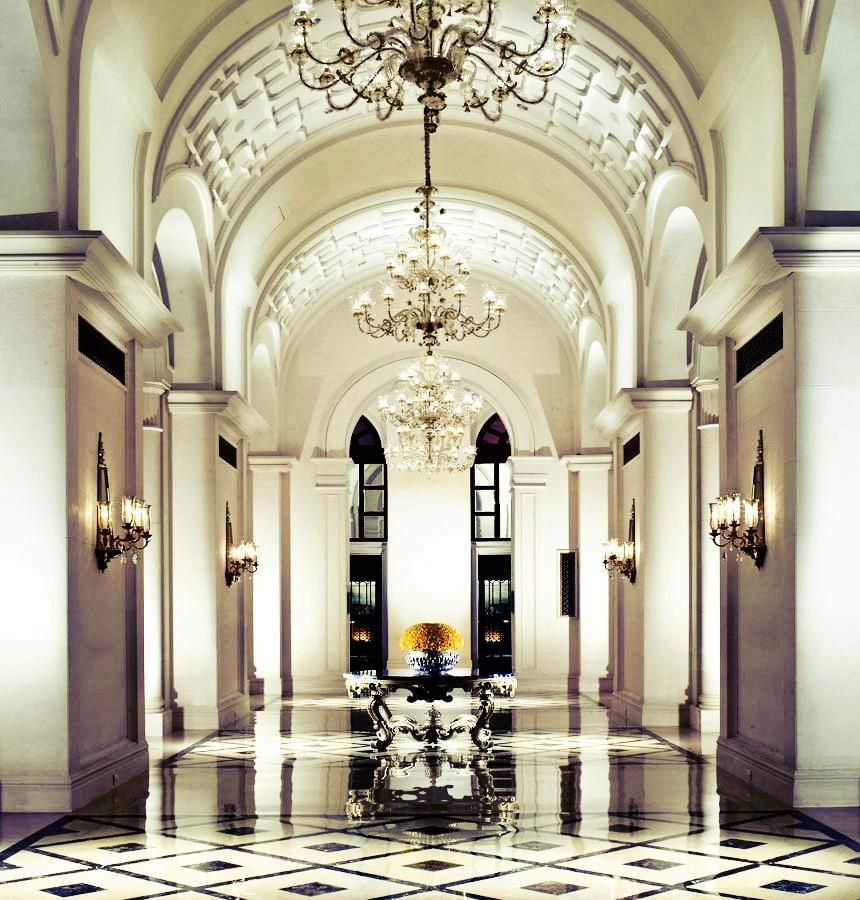 Hotel Foyer Des Guides Ollomont : Hallways of the leela palace new delhi omg so gorgeous