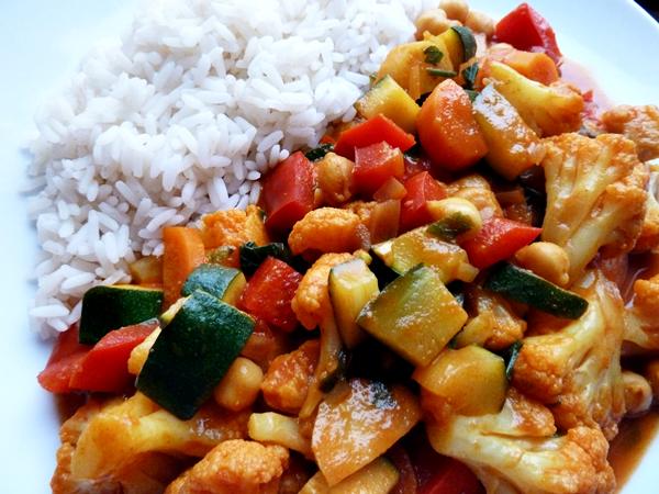 Naturalna Kuchnia Wegetarianska Weganskie Curry Warzywne Z