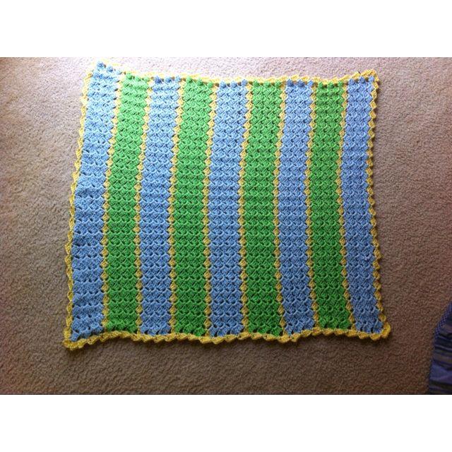 Crochet slanted shell baby blanket