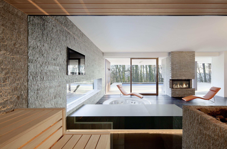 freundlich hell einladend ein privater wellnessraum mit sauna. Black Bedroom Furniture Sets. Home Design Ideas