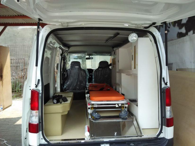 Ambulance Standar Fotos