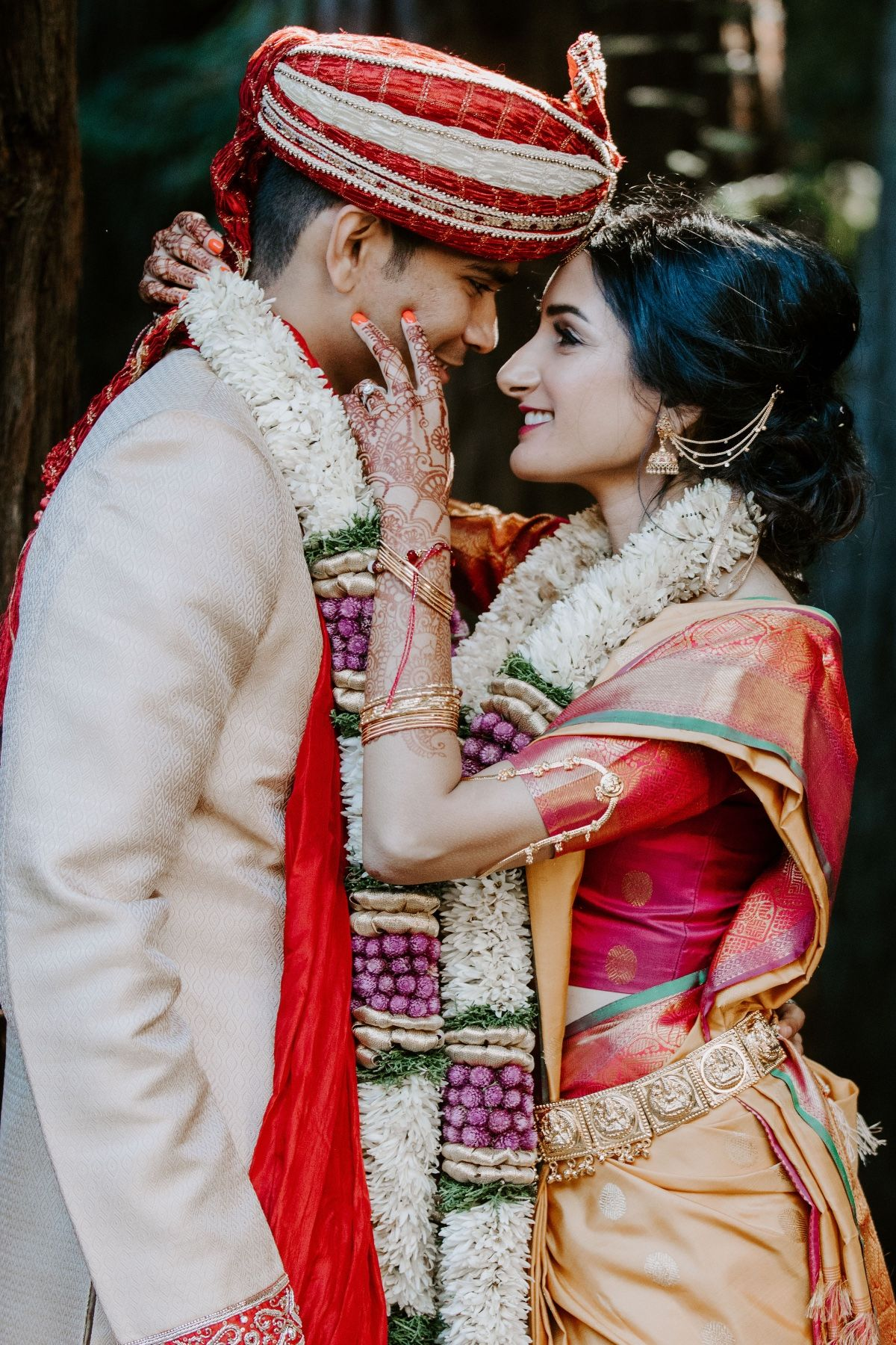 Visually Stunning Hindu Wedding In The Redwoods Indian Wedding Photography Couples Indian Wedding Photography Poses Hindu Wedding