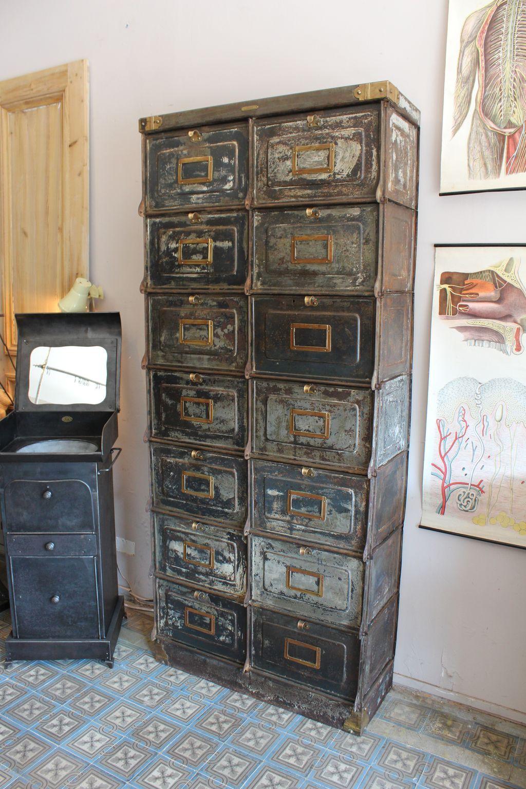 mobilier industriel cabinet valves strafor forges de strasbourg 1920 home ideas. Black Bedroom Furniture Sets. Home Design Ideas