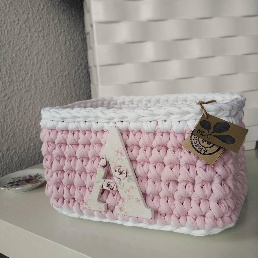 Otro encarguito dulce listo para entregar. Una cesta rectangular personalizada para una niña linda linda Que la disfrutéis mucho @isazancajo!