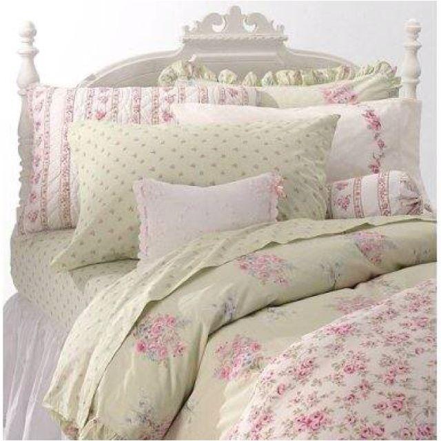 Beautiful Shabby Chic bedding