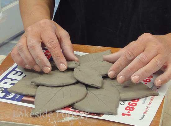 Full site of handbuilding projects clay leaves bowl with leaf texture Masser af ideer på siden !!!!!!