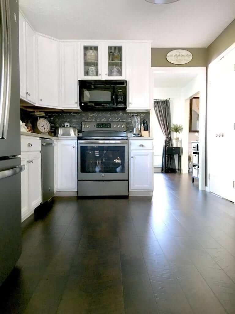10 Flooring Design Ideas For Your Kitchen 8 In 2020 Kitchen Flooring Dining Room Floor Dining Room Fireplace
