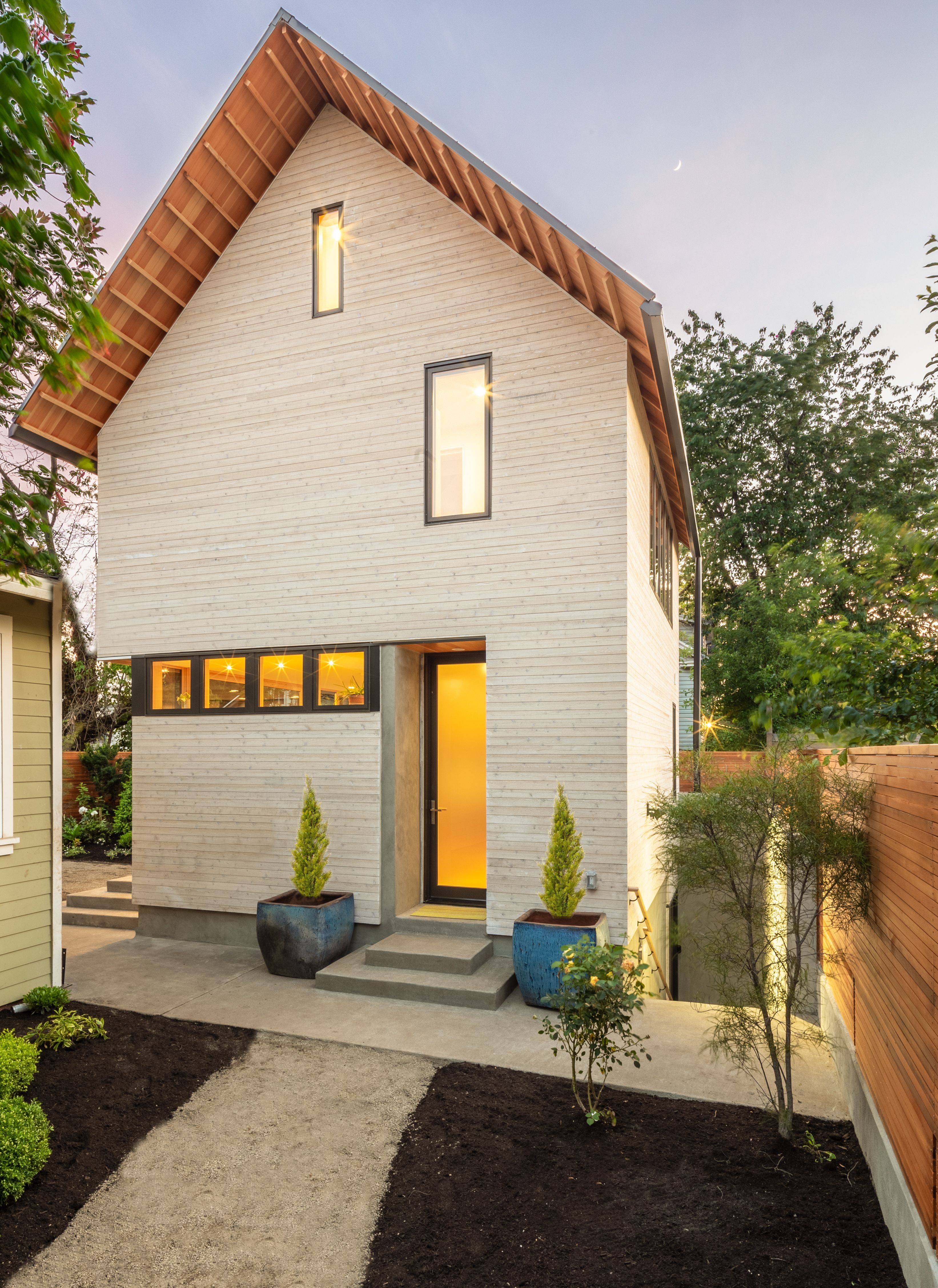 Photo 2 Of 10 In This Backyard Granny Flat Is Filled With Clever Backyard Small House Granny Flat