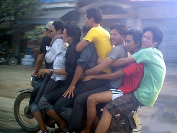 8 People On A Motorbike In Vietnam The Weird And Wonderful