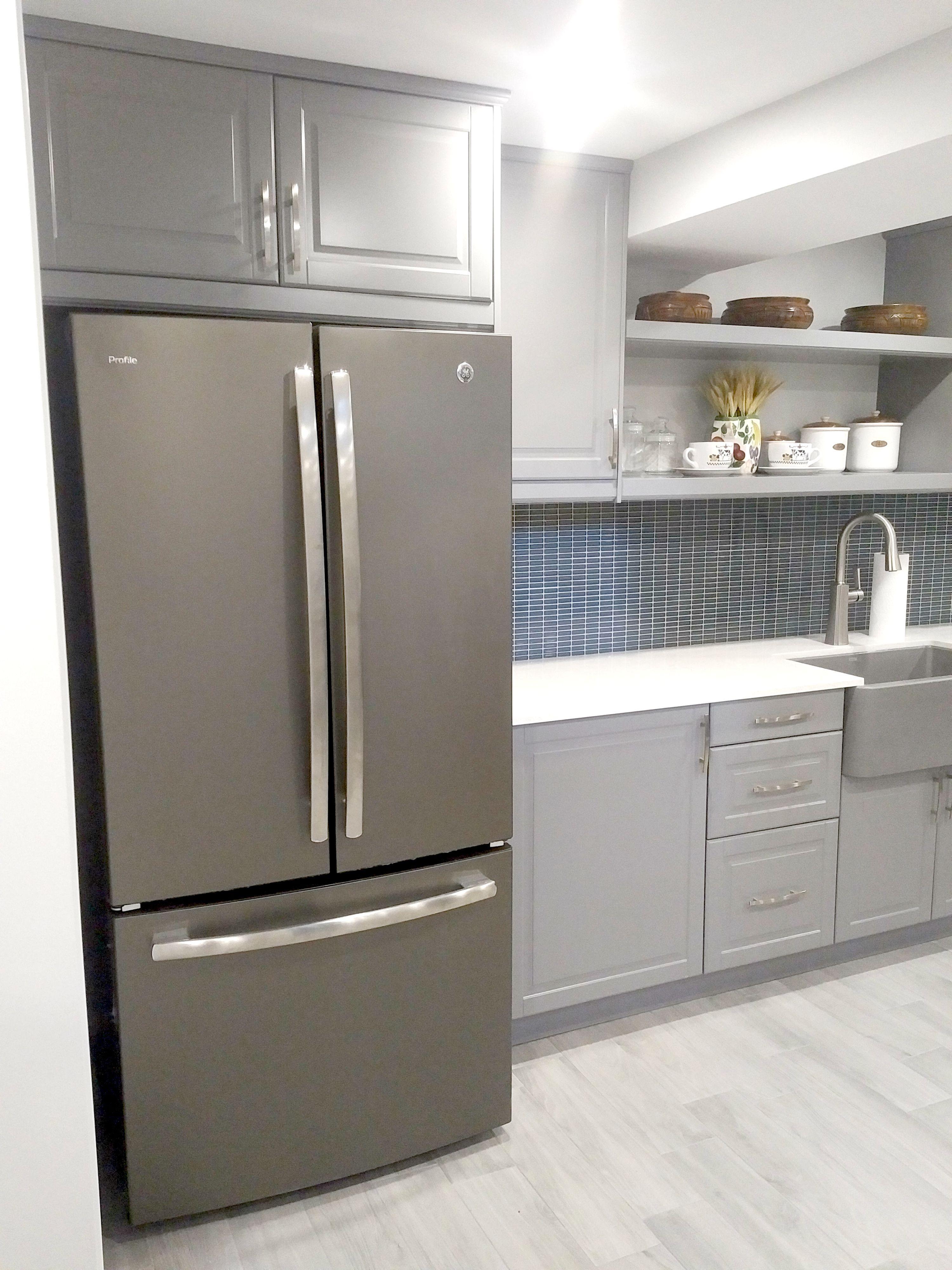 Carrara Look Quartz Countertop, Raised Panel Shaker Style ...