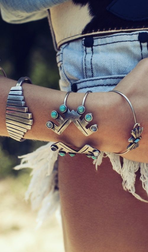 Love the steel and turquoise boho bangles. My kinda bracelets