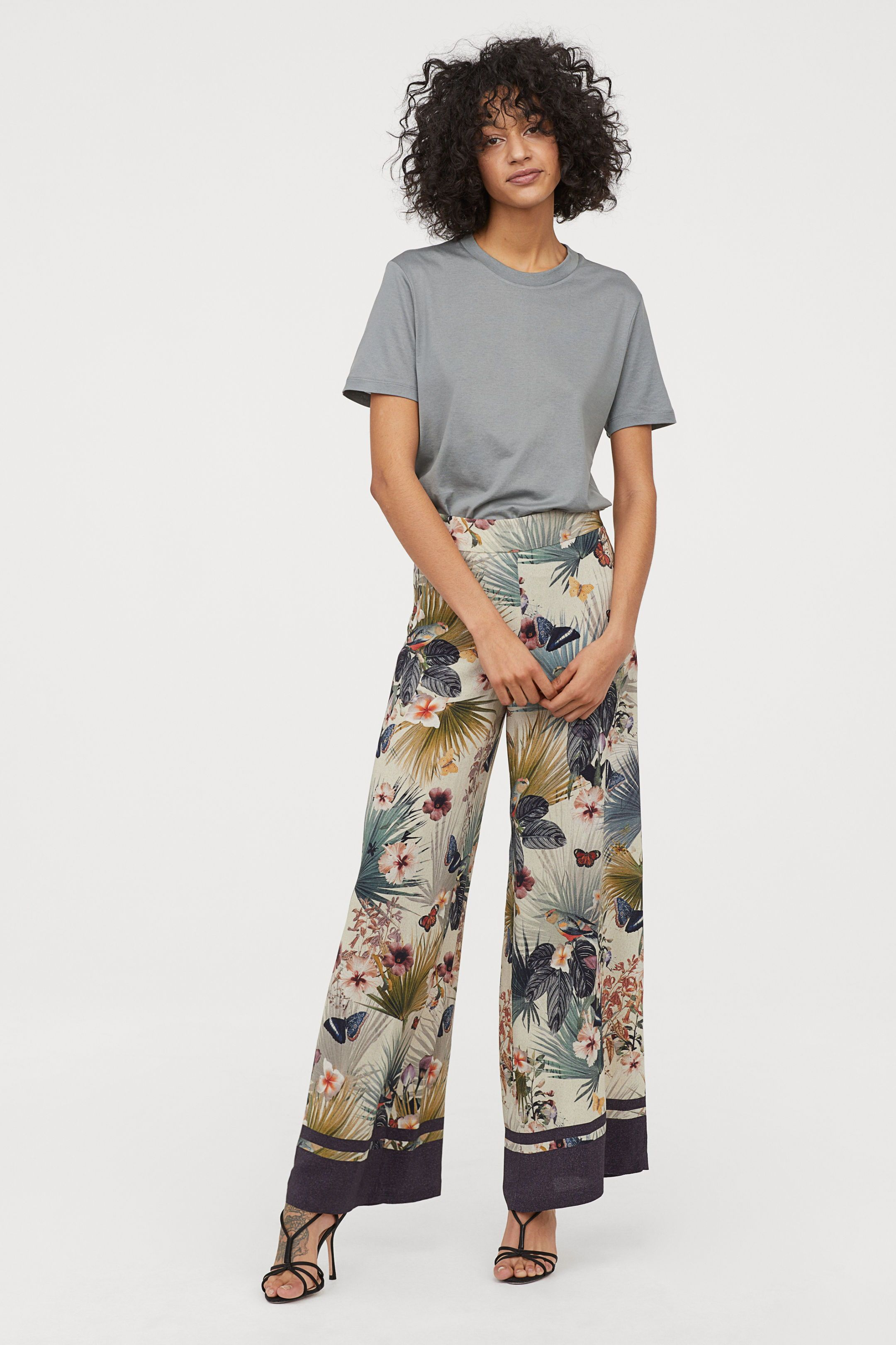 Floral Wide Legged Pants Pants In Woven Viscose Fabric With A Printed Pattern High Waist Concealed Side Zip And Wide Trousers Batik Fashion Wide Leg Pants