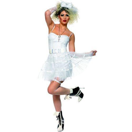 Naamiaisasu; 80-luvun Villi Tytsy. Madonna on näyttävän kasarityylin ruumiillistuma ja tässä naamiaisasussa on paljon samaa. Kasaripoppi soimaan, hiuksia kreppaamaan ja sitten ei muuta kuin menoksi. Tämä naamiaisasu vielä sinut suoraan ihanan kamalalle 80-luvulle.  Naamiaisasu sisältää: - Korsetin - Tutun - Vyön - Hanskat - Hiuspannan