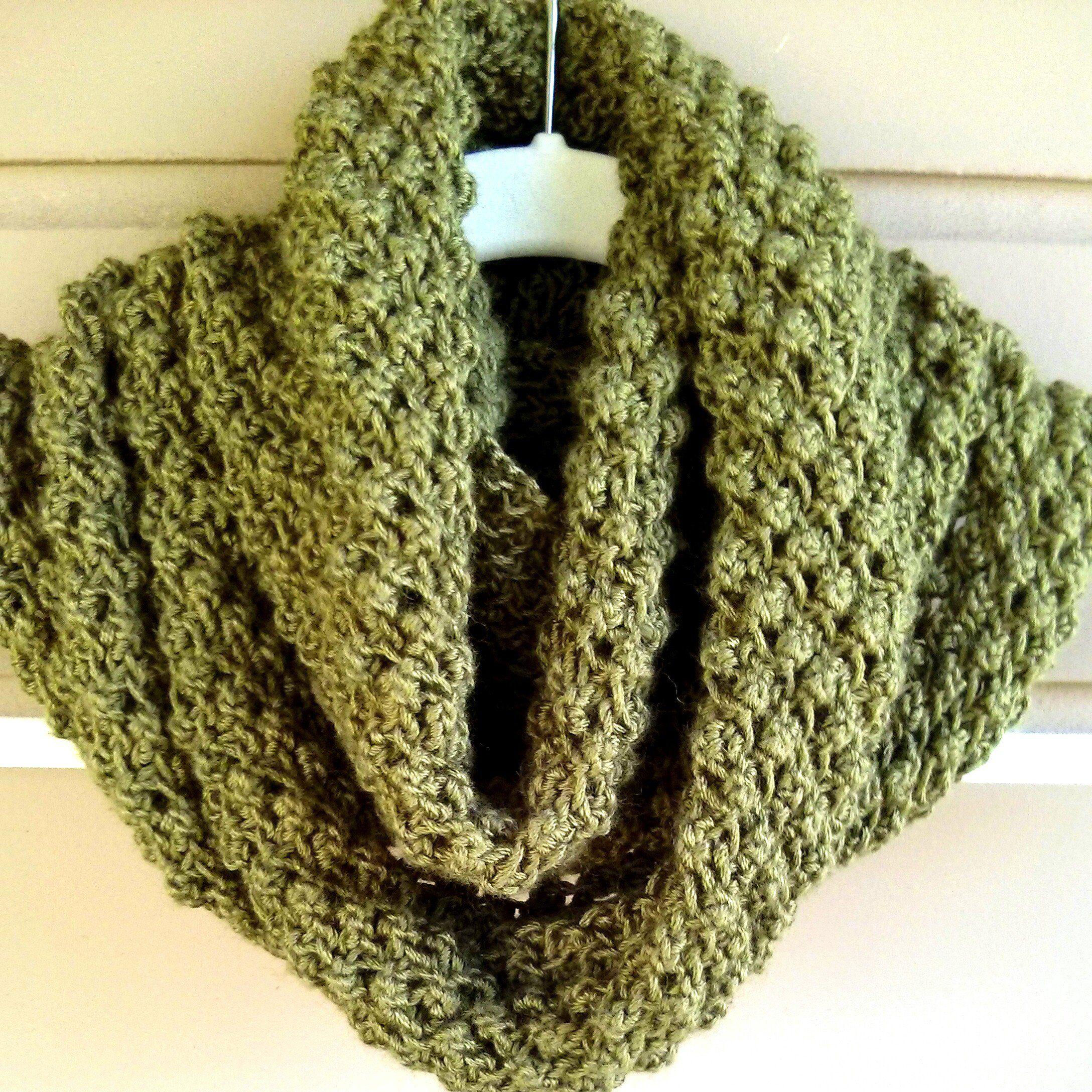 Free Pattern: Budding Infinity Scarf Pattern | Knitting Patterns ...