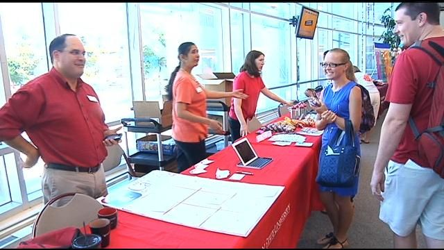 WSUTC Students Return to Class, Unfamiliar Faces Welcomed - NBC Right Now/KNDO/KNDU Tri-Cities, Yakima, WA  August 19 2013