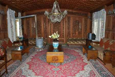 Holiday kashmir tour packages honeymoon in houseboat also the best houseboats dal lake images on pinterest rh